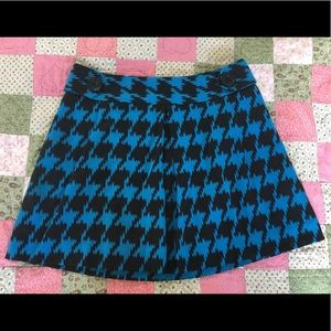 Express Pleated Houndstooth Skirt, Sz 8